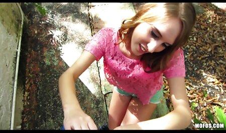 NYMPHO La pequeña rubia porno hentay sub español Athena Faris recibe un creampie