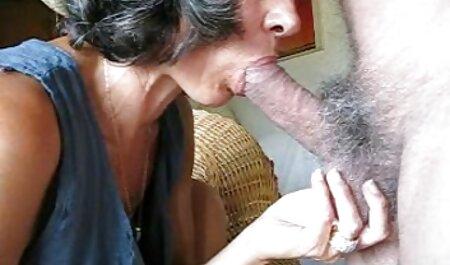 Lone Duch chick rellenando su culo orno español # 2