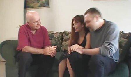 ¡La cubana curvilínea Angelina Castro porno aficionado español Faps Phat Pussy con 2 Big Buds!