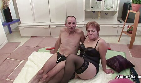 Big porno en español por dinero Tit Babe se masturba en la cocina con su consolador de vidrio